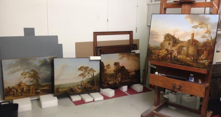 Réunion des quatre tableaux avant leur retour au musée