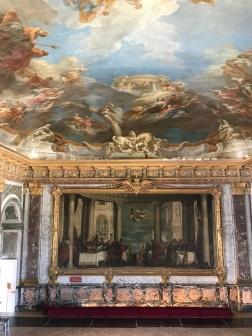 Vue du Repas chez Simon et du plafond peint figurant le triomphe d'Hercule